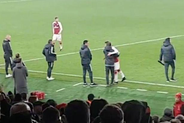 Dhaqankii Mesut Ozil Ee Kadib Kulankii Ay Guuldarada Kala Kulmeen Man United Oo Cirka Sii Galisay Wararka La Xiriirinaya Old Trafford