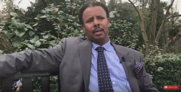 Daawo :Dhaqaaleyahan Abdi Cali Daakir Oo Ka Digay In Amaan-Darro Ka Dhalankarto Bixinta Saldhiga Milatari.