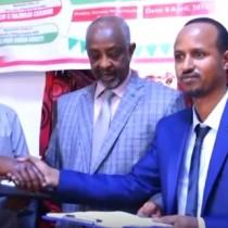 Hargaysa:-Wasiirka Arimaha Gudaha Somaliland Oo Xilkii U Kala Wareejiyey Agaasimayaal Cusub Oo Loosoo Magacaabay Wasaaradaasi