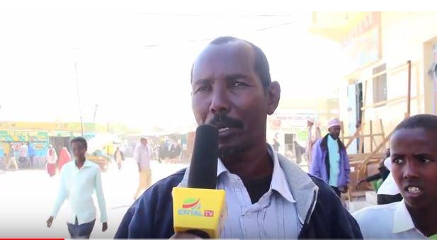 Daawo:Bulshada Burco Oo Sida Fiinta Uga Qayliyay Khilaafka Daashaday Golaha Deegaanka Degmada Burco