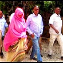 Daawo:Wasiirka Wasaarada Maaliyada Somaliland Oo Gaadhay Gobolka AWDAL,Deeq Dawooyinana Gaadhsiisay Cusbataalka Weyn Ee Magaalada Borame
